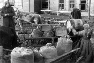 0419 Russen beim Plündern_1
