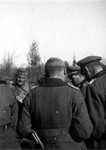 0439 Gen d.Inf. Felber besucht die Division_1