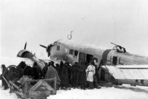 0492 Flugplatz Malojaroslawez - JU 52 bringt Nachschub und f_1