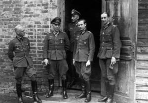 0066 Oberst Hahm mit Major Glaesemer, Major Plücker und Hauptmann Wieland_1