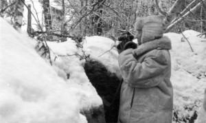 0197 Generaloberst Heinrici auf Kampfstand 90 im Januar 1943_1