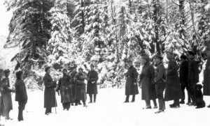 0199 General Hahm mit Jagdgesellschaft Januar 1943_1