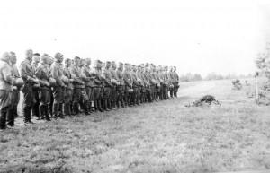 0271 Beisetzung von Uffz Laubert IV. AR 260_1