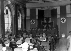 0313 Eröffnung der Ausstellung -Schwäbische Divisionen im Osten- in Stuttgart durch General Veil im November 1943_1