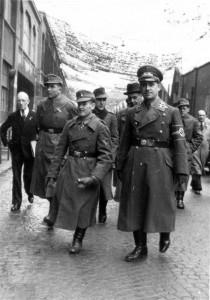 0321 mit Ritterkreuz OG Foldenauer im November 1943_1