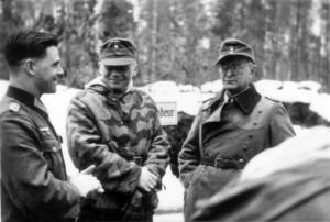 0350 Regimentsgefechtsstand 480 - von links Olt Böhm  (Adj) - Maj Braun (Kdr PiBtl 653) - Oberst Dr. Friker im Februar 1944_1