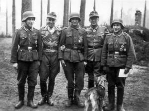 0386 Ordensverleihung im Mai 1944_1
