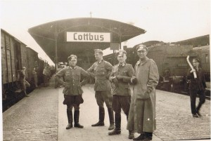Oberleutnant Fuchs, Oberzahlmeister Göring, Veterinär Heiskel, Oberleutnant Schneider in Cottbus