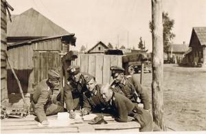Chaltika, Oberzahlmeister Günther Pein, Oberleutnant Fuchs, Leutnant Fuchsberger, Oberzahlmeister Göring, Oberzahlmeister Dietz
